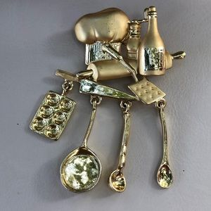 VTG Chef Brooch. Great gift you your favorite cook